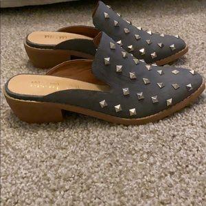 Slide on with heel
